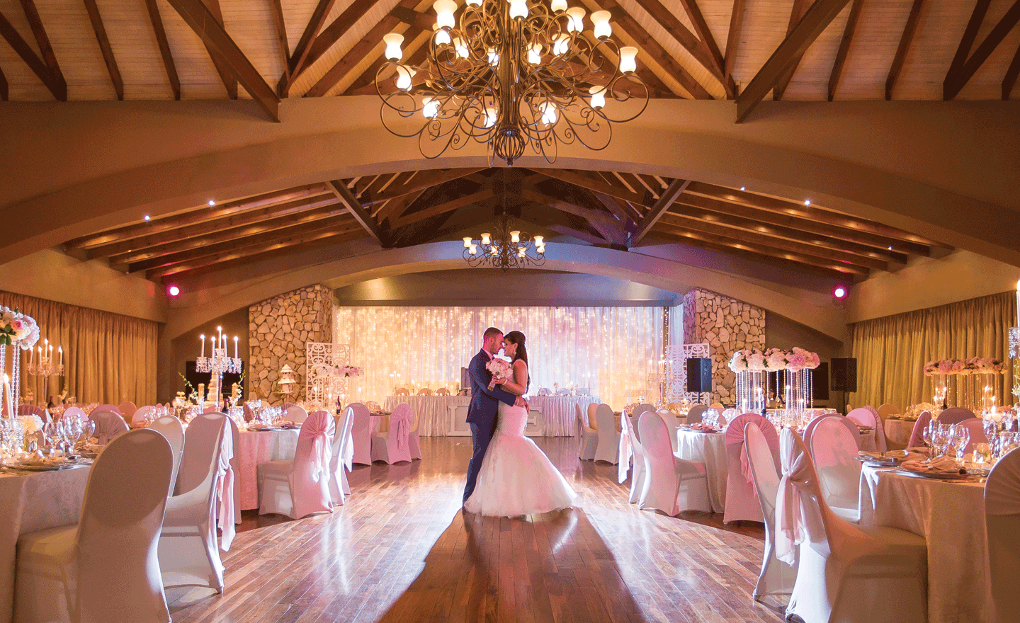 Dancing at Johannesburg Wedding Venue