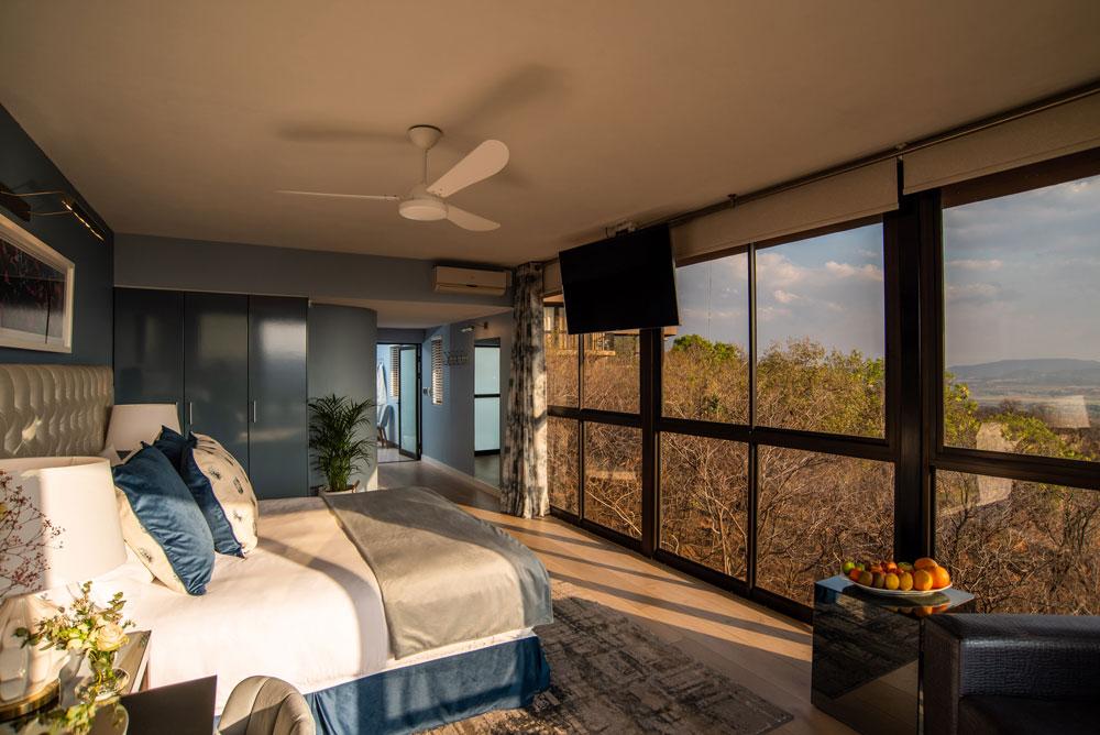 Precious Suite